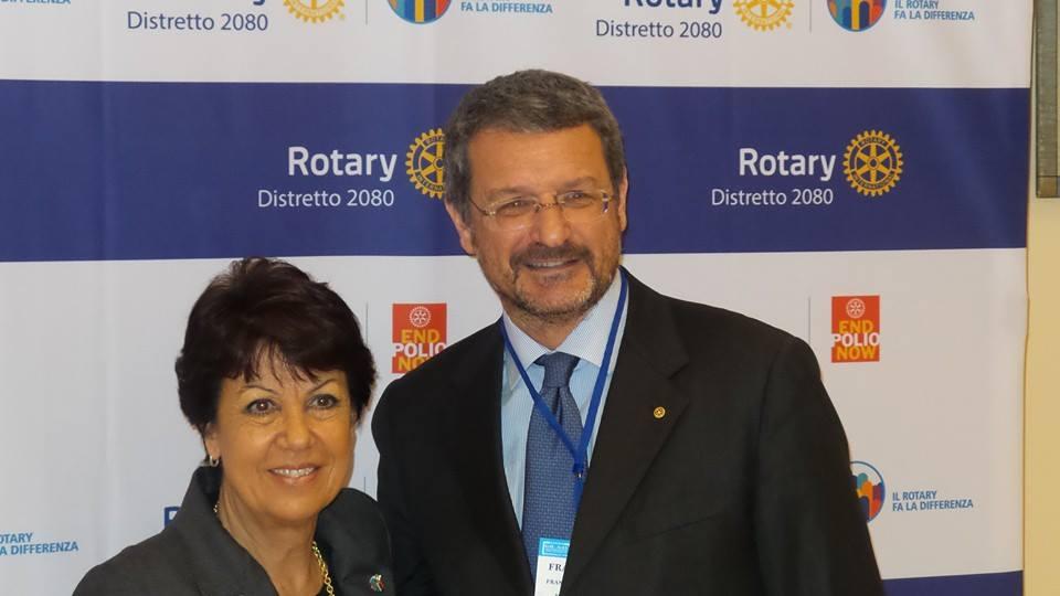 Studia con Rotary